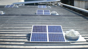 Système autonome d'éclairage naturel ECLAIRNAT sur bac acier