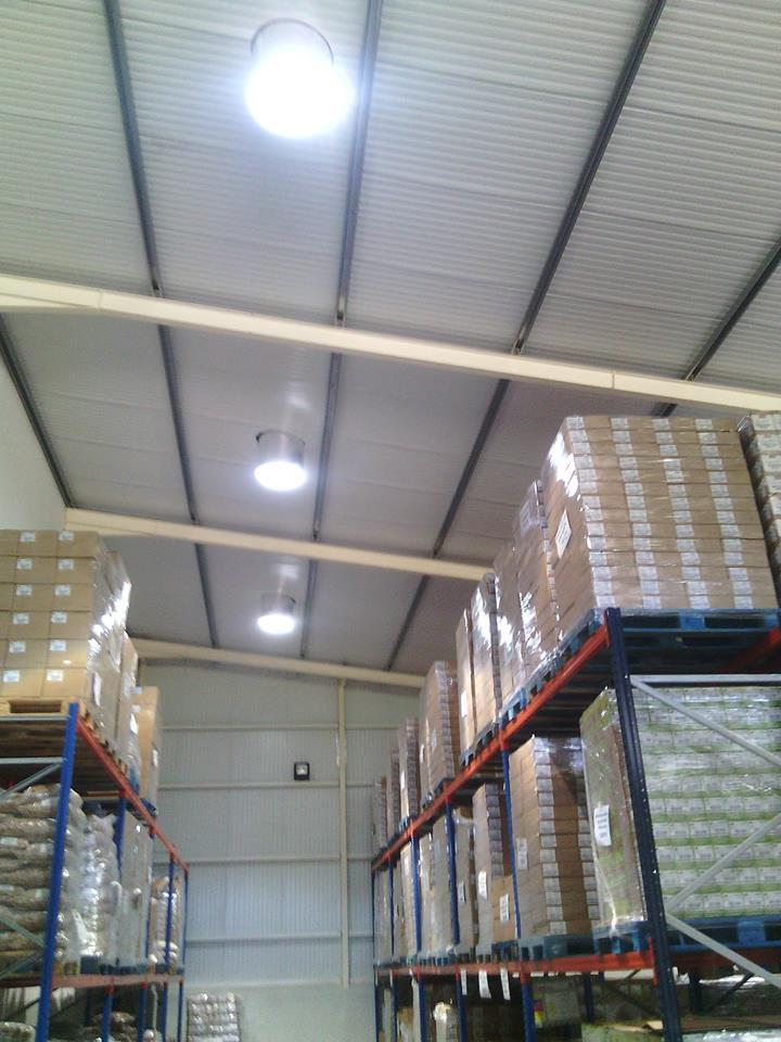 éclairage autonme des entrepôts