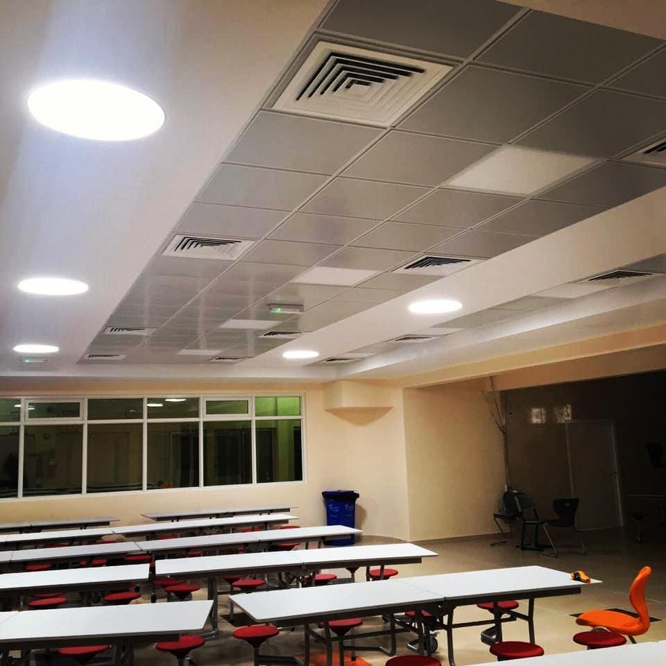 Salle en éclairage naturelle Eclairnat